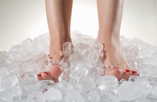 picioare reci înainte de întâlniri